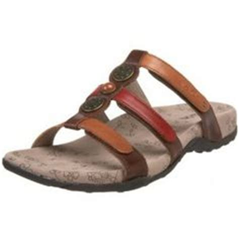 most comfortable walking sandals for women munro american darian sandals are supportive and stylish