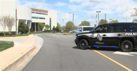 Greensboro Nc Arrest Records Greensboro And Nc A T Search For Armed Suspect 88 5 Wfdd