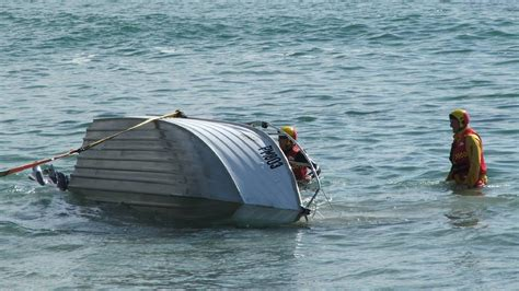 boat r gone wrong boat launch goes wrong at bastion point mallacoota magnet
