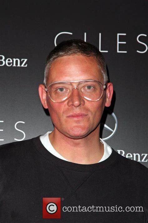 Giles Deacon 3 by Giles Deacon Fashion Week Summer 2012