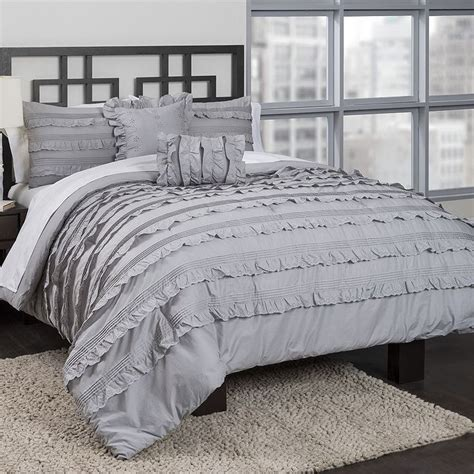 Ruffled Bedding Sets Best 25 Ruffled Comforter Ideas On Ruffle Bedding Ruffle Bedspread And Shabby Chic