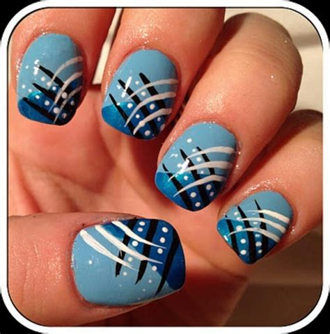 Easy Nail Art Blue And White | 17 gorgeous blue nails art pretty designs