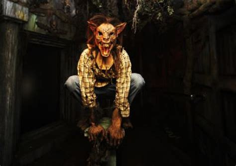 the darkness haunted house top 10 haunted houses in the usa attractions of america