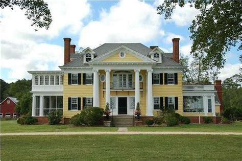 neoclassical house neoclassical recalling the architecture of ancient greece and rome neoclassical homes are