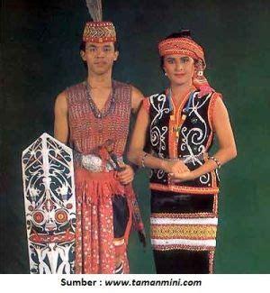 Baju Adat Dayak Bakati fitinline 2 jenis pakaian adat suku dayak dari kulit kayu