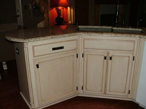 cream kitchen cabinets with glaze cream kitchen cabinets chocolate glaze quicua com