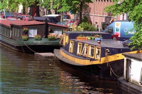 woonboot in de amstel lied drijvend museum vertelt alles over de woonboot