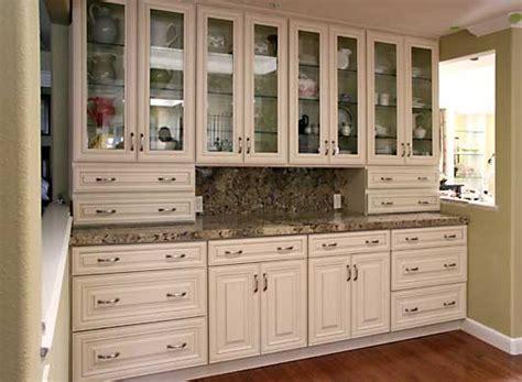 cream glazed kitchen cabinets butter cream glazed kitchen cabinets cream maple glazed