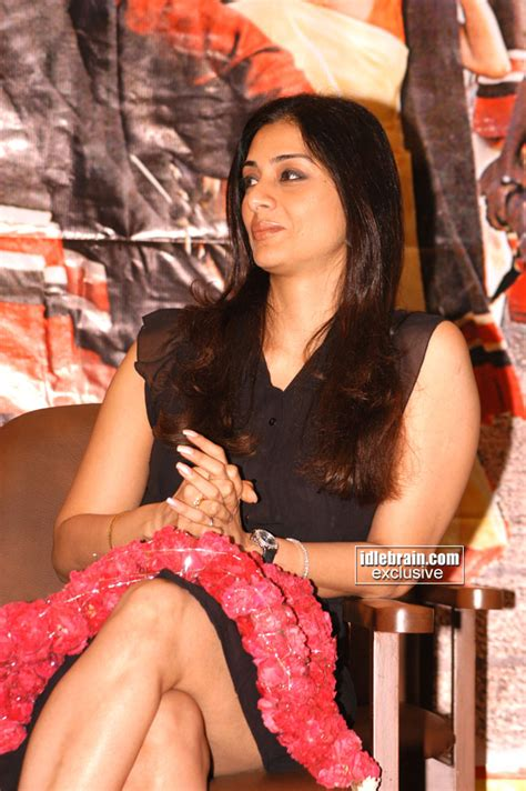 Hot Tabu At Events | cine hot tabu gorgeous thigh show in a event