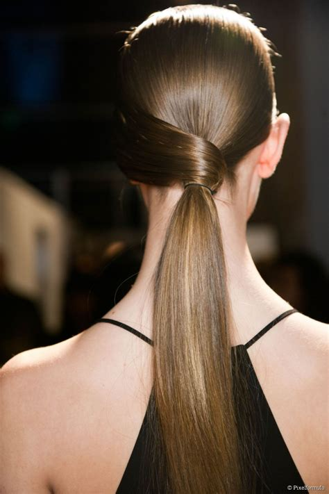 Updo Hairstyles For Work by 5 Easy Updos For Work Or A