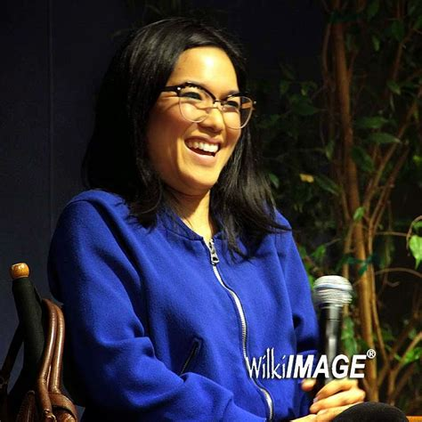 ali wong fresh off the boat if you see someone without a smile mar 3 2015