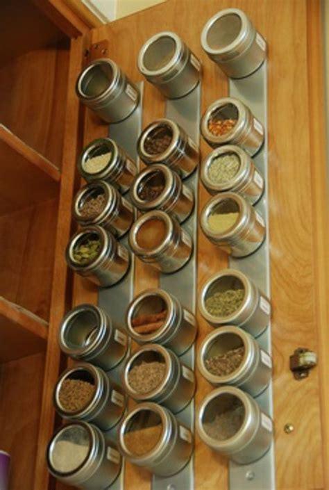badezimmer eingebaut in speicher ideen idee f 252 r gew 252 rzaufbewahrung schrankt 252 r magniten 25