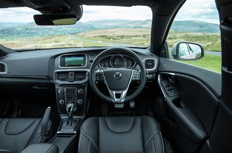 Volvo V40 Review (2017)   Autocar