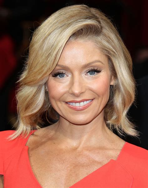2014 pictures of kelly ripa kelly ripa at 86th annual academy awards in hollywood
