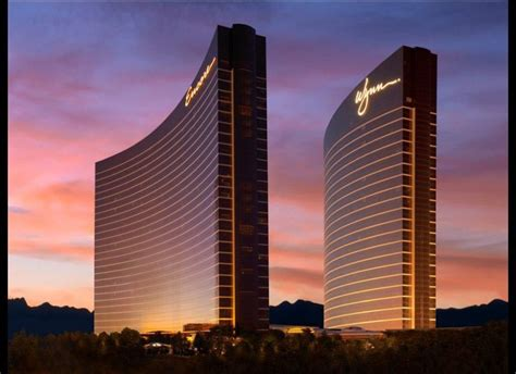 Best Hotel To Stay In Las Vegas Going To Las Vegas Stay At These Hotels Huffpost