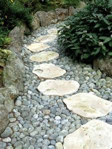Garden Gravel Stones 43 Awesome Garden Paths Digsdigs