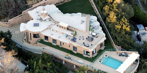 rihanna out of 12m la mansion after another