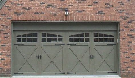 Garage Door Styles For Ranch House by Ranch Style Garage Door Garage Door