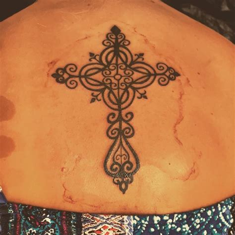 womens celtic cross tattoos best 25 cross tattoos for ideas on