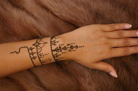 tato keren mudah di buat tanpa harus lihai menggambar 10 desain tato henna ini