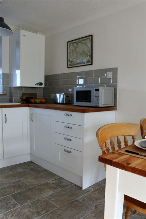 wickes kitchen designer our country cottage the kitchen dear designer