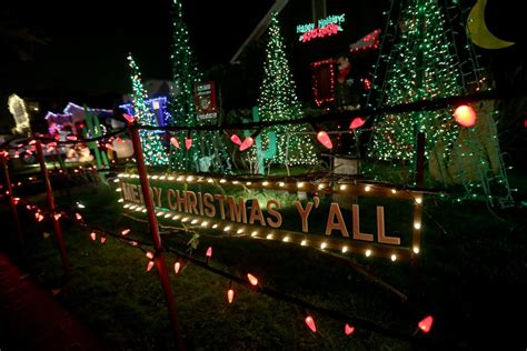 east bay christmas lights displays tree lights brighten up thompson avenue in alameda in 78 year tradition