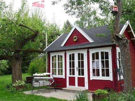 gartenhaus skandinavisch schwedenrot stilvoll die sch 246 nsten schwedenhaus