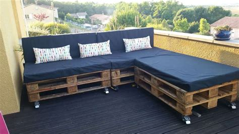 Pallets Sofa by A Classic Garden Pallet Sofa 1001 Pallets