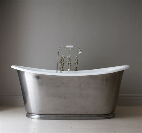 cast bathtub things to know about cast iron bathtubs keribrownhomes