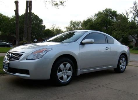 Two Door Silver Nissan Car Photo Jpg Hi Res 720p Hd