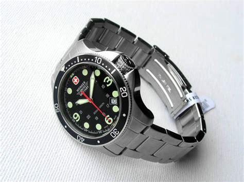 Wenger 010643109 Swiss Made Original s watches wenger genuine swiss 200m