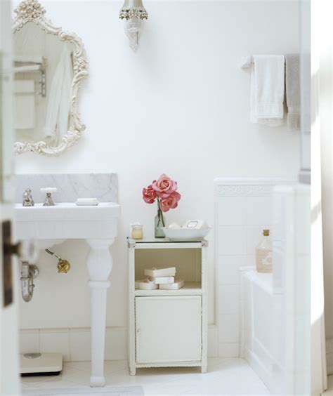 Chic Bathroom Accessories Chic Bathroom Design Ideas