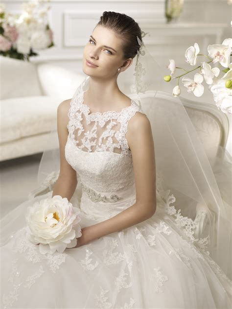 Simple White Wedding Dresses 2013   Fashion Trends Styles