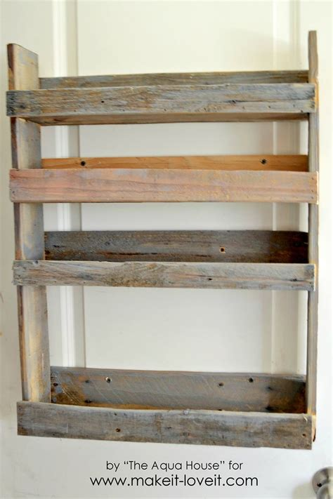 Wood Pallet Spice Rack by 25 Best Ideas About Pallet Spice Rack On