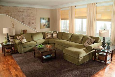 Kursi Tamu Warna Hijau model kursi sofa u untuk ruang tamu kecil sederhana
