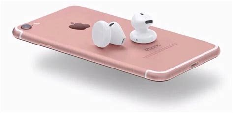iphone     bundled  apples  airpods