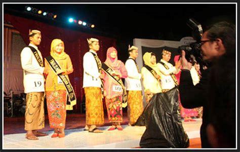 Baju Adat Surabaya pakaian adat jawa timur gambar lengkap dan penjelasannya adat tradisional