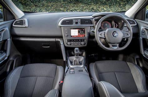 renault kadjar automatic interior 2015 renault kadjar 1 5 dci 110 dynamique s nav review