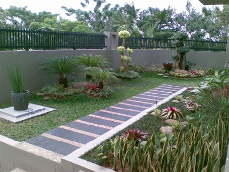 halaman rumah minimalis  indah  asri