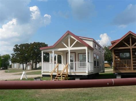 tiny house 400 sq ft 400 sq ft sunnyside park model tiny house on wheels