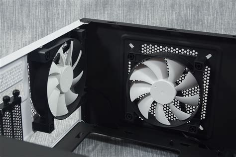 nzxt s340 case fans the interior of the nzxt s340 the nzxt s340 case review