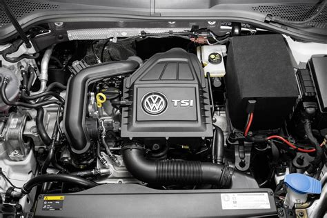 volkswagen golf 1 0 tsi bluemotion debuts with 3 cylinder