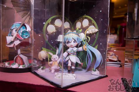 fan made snow miku papercrafts appear at comic world hong