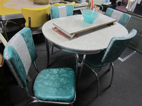 Retro Chrome Dinette Set   Gray oval formica table, 1 leaf