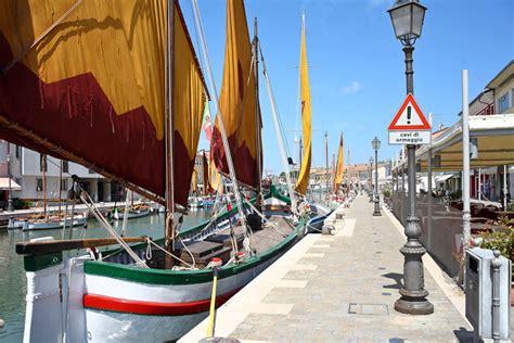 porto di cesenatico leonardo s port canal in cesenatico italian ways