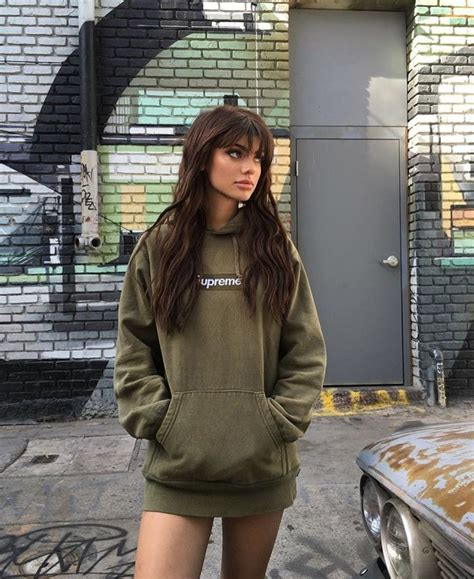 supreme clothing uk 25 best ideas about supreme clothing on