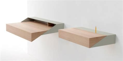 tavolo a ribalta da parete deskbox il tavolino salvaspazio designbuzz it