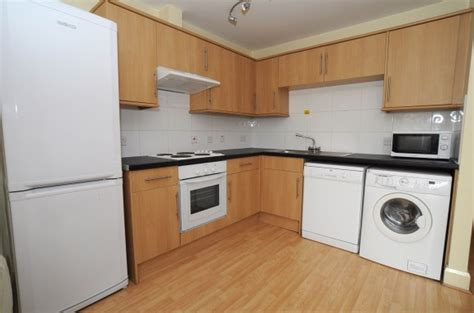modern spacious 3 bedroom first flat near university 230 modern 3 bedroom student apartment near university of
