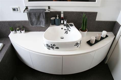mobile bagno rimini mobile bagno curvo sospeso laccato lucido a rimini