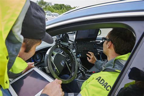 Bmw 1er Coupe Adac by Fu 223 G 228 Nger Notbrems Assistent Des Bmw 3er Im Adac Test